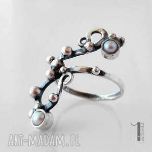 pierścionek pierścionki białe sorbus i z perłą srebrny