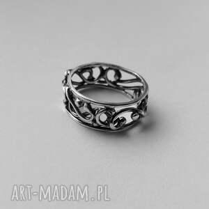 pierścionki oksydowany srebrna koronka