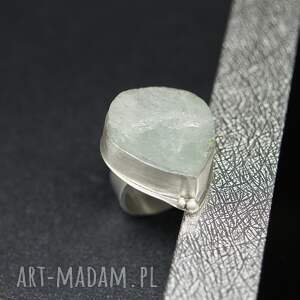 duży srebrny pierścionek kropla lodu