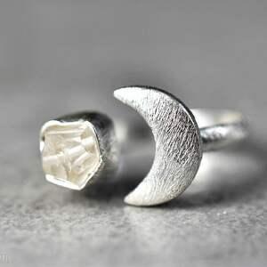srebrne pierścionki kamień 925 srebrny pierścionek księżyc