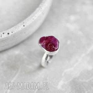 kamień pierścionki 925 srebrny pierścionek z rubinem