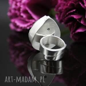 wyjątkowe duży srebrny pierścionek kropla lodu