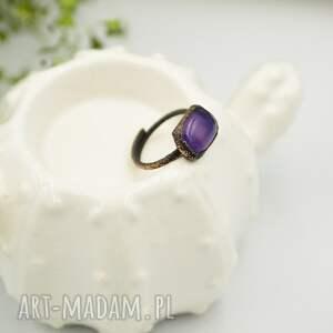 hippie biżuteria violet raw - pierścionek ze szkłem