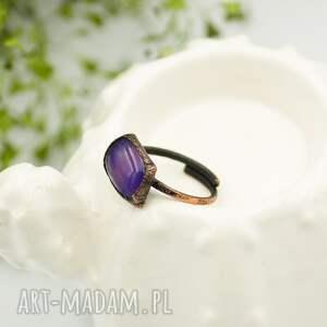 pierścionek duży violet raw - ze szkłem