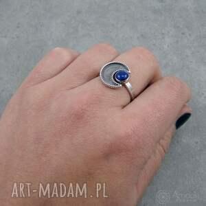 niekonwencjonalne pierścionki tajemniczy w ramionach księżyca - lapis lazuli