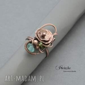 wyjątkowe pierścionki kwiatek water lilly - pierścionek z kwiatem