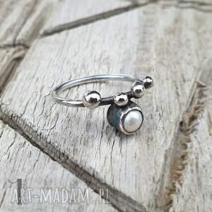 pierścionki pierścionek-srebrny wild pearl - drop i srebrny
