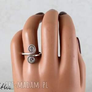 pierścionki pierścień zawijasy - srebrny pierścionek