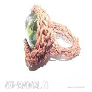 zielone zielony pierścionek