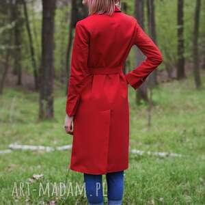 płaszcze trench czerwony