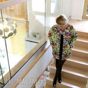 niebanalne płaszcze dresowy kolorowy wiosenny płaszcz damski