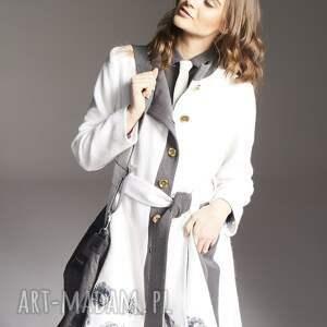 ręcznie zrobione płaszcze płaszczhaftowany płaszcz wykonany z wełny parzonej, podszyty