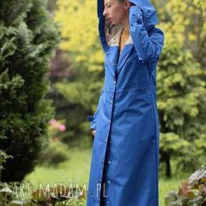 Monika Jaworska ręcznie robione płaszcze kaptur płaszcz przeciwdeszczowy
