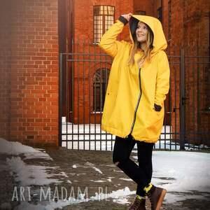 płaszcze: Żółty płaszcz oversize ogromny kaptur na jesień rozmiar XL - ręczne