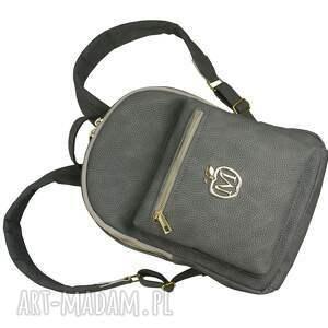 duży plecak, idealny do szkoły i nie tylko
