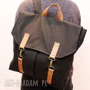 handmade plecak czarny uszyty z grubej, mocnej bawełny