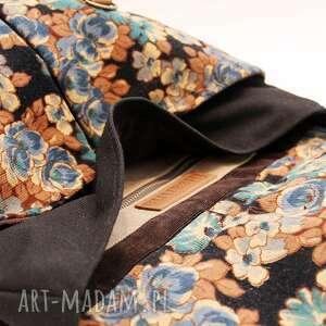 pomarańczowe plecak, kwiaty