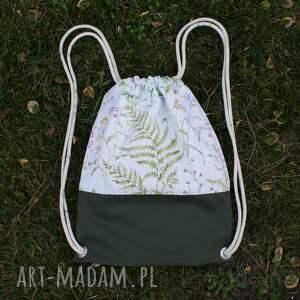 beżowe plecaki worek plecak leśny