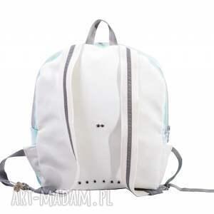 białe plecak na ramię niezwykły plecaczek uszyty z foliowanej tkaniny
