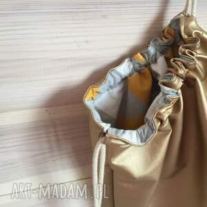 ręcznie zrobione plecak miejski złoty