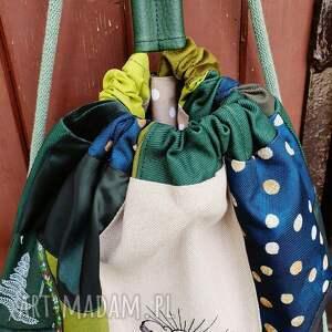 plecak zielone worek upcyklingowy z haftem