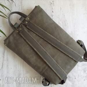 szare skórzany plecak
