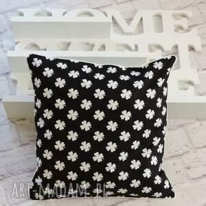 gustowne poduszki komplet poduszek dekoracyjnych wzór
