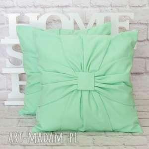 zielone poduszki poduszka pastelowa miętowa
