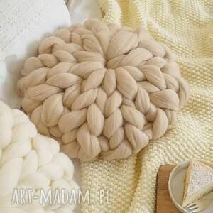 intrygujące poduszki rozetka poduszka czesankowa beżowa