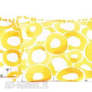 białe poduszki poduszka ozdobna dekoracyjna słoneczne lato