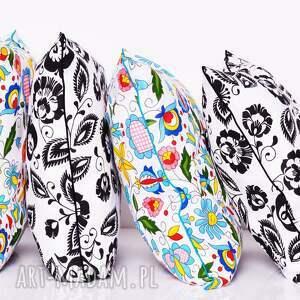 białe poduszki folk poduszka łowicz black and white