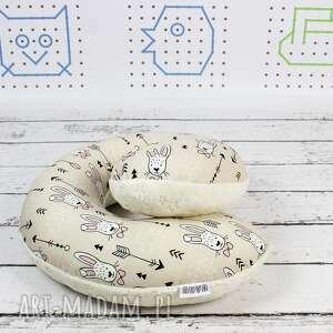 ręcznie robione poduszki zagłówek poduszka podróżna królik