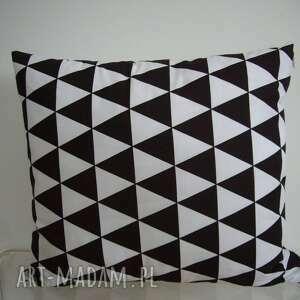 wyjątkowe poduszki romby poduszka w czarno- białe