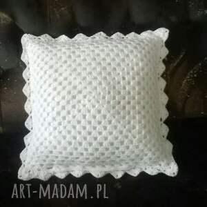 ręczne wykonanie poduszki poduszka z-włóczki z poszewką z włóczki