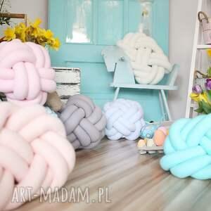 efektowne poduszki styl skandynawski ręcznie pleciona dekoracyjna