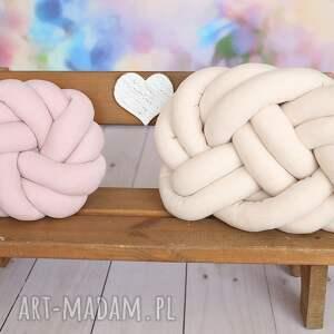 beżowe poduszki poduszka-supeł ręcznie pleciona dekoracyjna