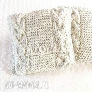 eleganckie poduszki robione ręcznie wełna