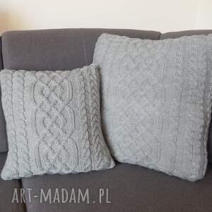 poduszki miękka szara warkoczowa poduszka