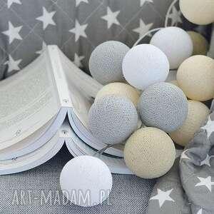 niebanalne pokoik dziecka pokój cotton ball lights by pretty