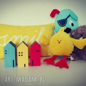 żółte pokoik dziecka domek 3 domki drewniane