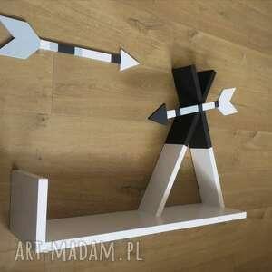 ciekawe pokoik dziecka tipi drewniana półka