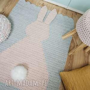 dywan pokoik dziecka różowe 3d szydełkowy królik