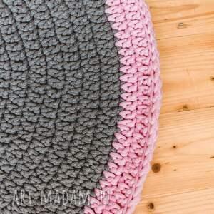 różowe pokoik dziecka dywanik 90 cm ze sznurka