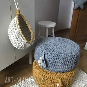 podłoga pokoik dziecka dziergana pufa, skandynawski design