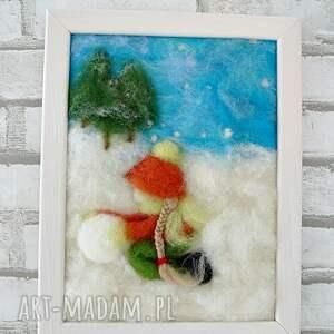 zima pokoik dziecka dziewczynka lepiąca bałwana. Obraz