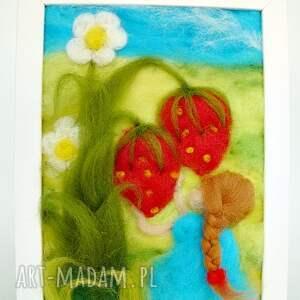 eleganckie pokoik dziecka truskawka dziewczynka w niebieskiej sukience