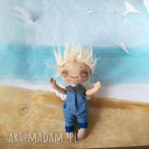 pokoik dziecka chłopiec aniołek - figurka tekstylna - ręcznie szyta
