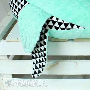 poduszka pokoik dziecka czarne foka rebeka opal trójkąty