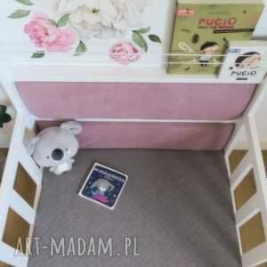 pokoik dziecka książki kącik czytelniczy z półką na