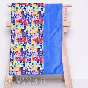 niebieskie pokoik dziecka kocyk colored triangles 90x120cm od